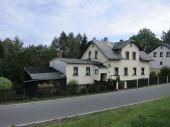 Großzügiges Ein-/Zweifamilienhaus mit Anbau und Scheune am Ortsrand
