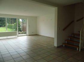 Zweifamilienhaus in Lüder  - Lüder