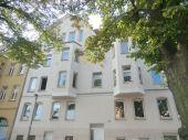 Große bezugsfertige Wohnung in der südlichen Innenstadt mit Wanne und Dusche !
