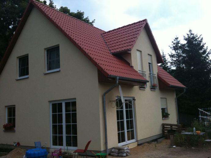 *AUFGEPASST* Einfamilienhaus in Arnsdorf