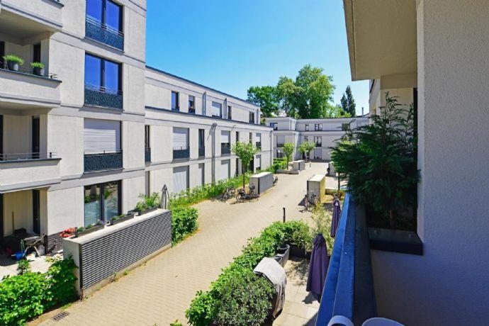 Bilker Höfe: Optimal geschnittene Räume - Echtholzparkett - Loggia