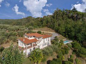 Villa in Camaiore