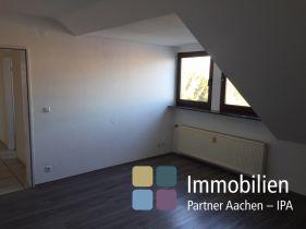 Dachgeschosswohnung in Herzogenrath  - Straß
