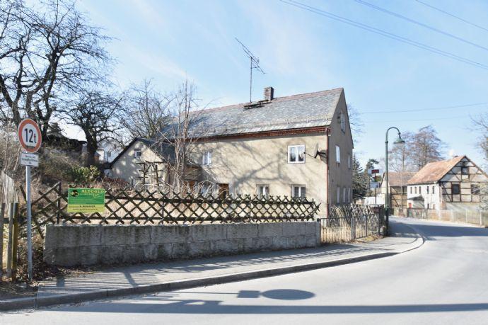Gebäude mit Grundstück und Nebengelass in Herzogswalde