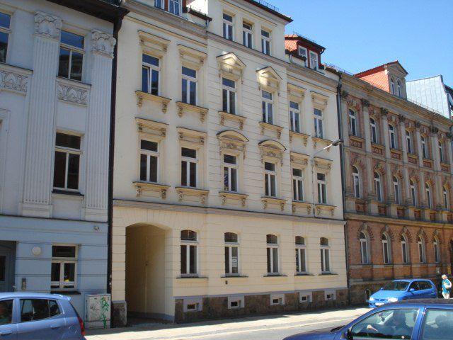 2 große Balkone,zentrale Lage, kleine Küche, WG geeignet