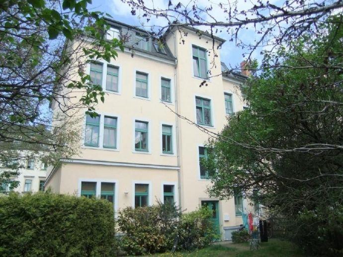 www.r-o.de +++ Geräumige Wohnung mit Parkett