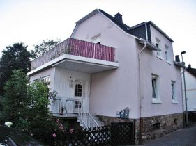 Mehrfamilienhaus in Taunusstein  - Hahn