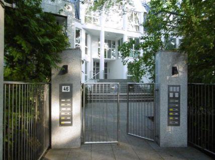 Grunewald! Vermietete Wohnung in moderner  Stadtvilla
