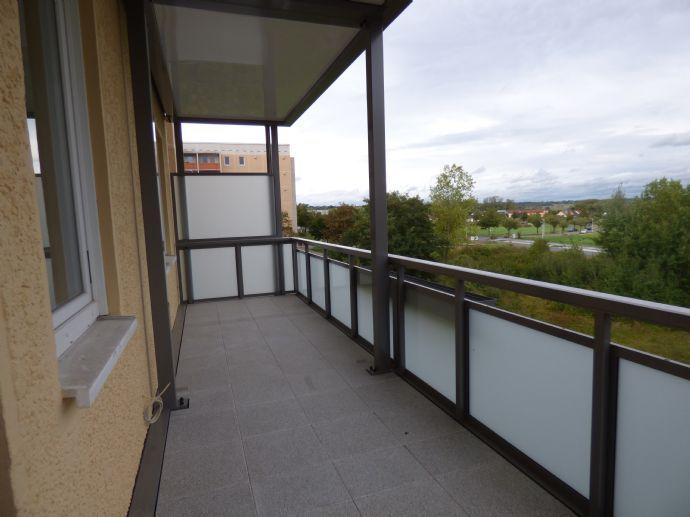 Barrierefreie 2-R.-Wohnung mit traumhaften Balkon mit Blick in die Nassau