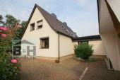 Vorgemerkt Überschaubares Eigenheim mit 4 Zimmern, Garage, Garten in...