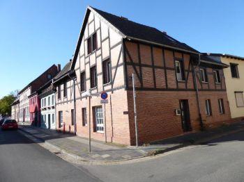 Zweifamilien Fachwerkhaus Mit Verklinkerter Fassade