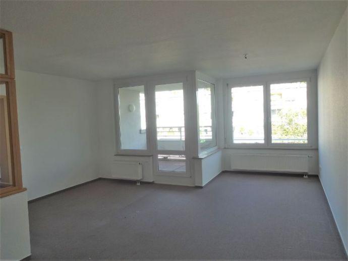 ++ Großzügige Wohnung für zwei Personen mit Balkon ++