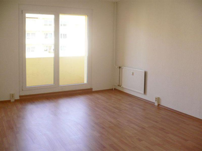 +++ Preiswerte 3 Zi-Wohnung mit topsaniertem Bad und Balkon! ! +++