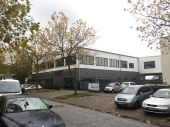 Neubau Hostel, Hallen-, Produktions- oder Bürofläche zu vermieten