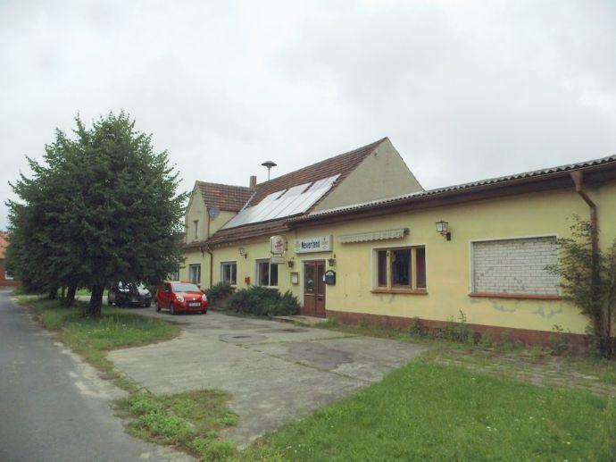 Grundstück mit viel Potential - Wohnhaus, kleinem Saal, Nebengebäude und Garagen