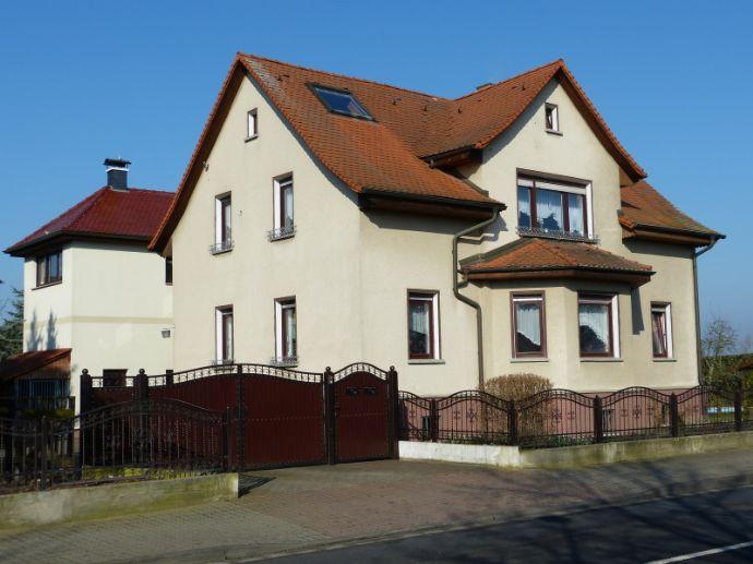 Einfamilienhaus mit Doppelgarage | Einliegerwohnung | Werkstatt | POOL