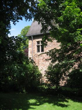 Besondere Immobilie in Fronhausen  - Fronhausen