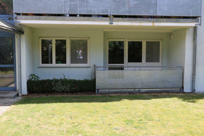Schöne 2-Raumwohnung mit Balkon und neuem Laminat