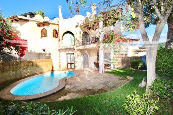Mediterranes Haus Am Golfplatz Mit Pool Dachterrasse