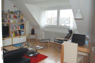 Dachgeschosswohnung in Köln  - Westhoven
