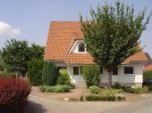 Geräumige Doppelhaushälfte mit Keller südlich von Magdeburg zu verkaufen