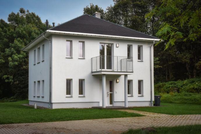 Ruhig & naturverbunden! Neubau mit großem Grundstück nahe Altenberg! www.cmdd.de