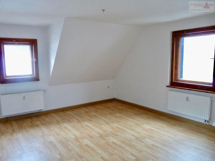 3-Raum-Wohnung in traumhafter Lage in einem Ortsteil von Altenberg mit Stellplatz!