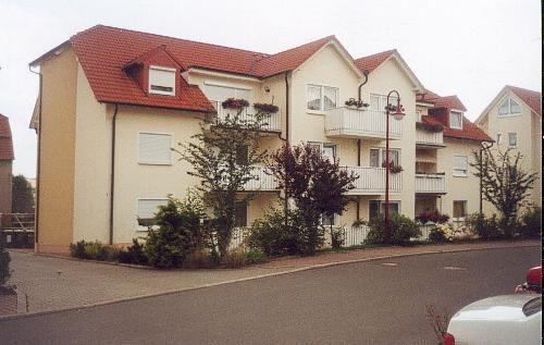 Schöne 2 Zimmer-Wohnung 1. OG