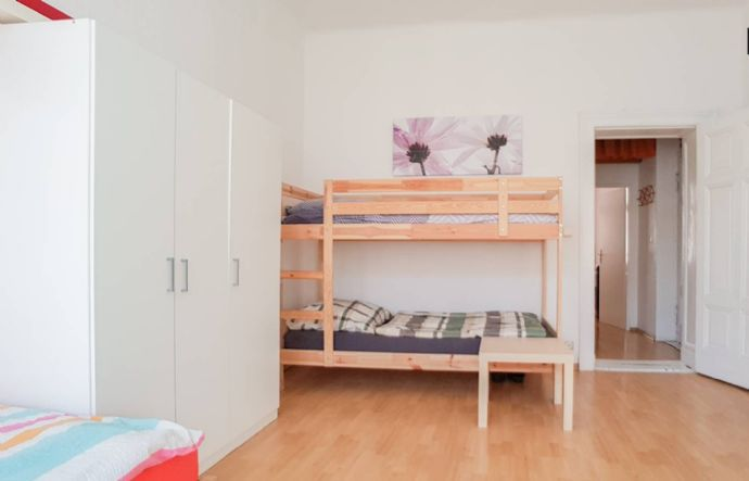 Top Single Bunk Bed For Rent In Shared Room In Tiergarten