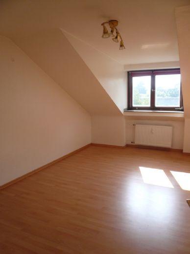 schöne 3-Zimmer-Etagenwohnung in Rheinnähe