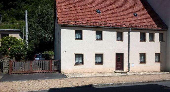Zentral gelegenes Häuschen mit Einliegerwohnung.