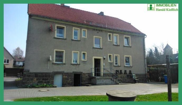 Mehrfamilienhaus mit schönem Gartengrundstück zu verkaufen.