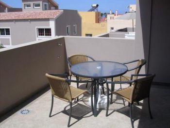 Renoviertes Haus Mit Dachterrasse Und Garage In Guter Lage In Callao