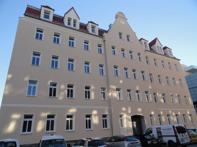 TOP-WG-Wohnung im Dachgeschoss, mit Laminat/Wanne/offene Küche!, www.cmdd.de