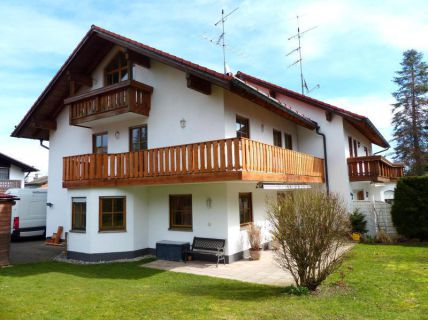 Ansprechende Doppelhaushälfte mit großem Süd-West-Garten in Tutzing