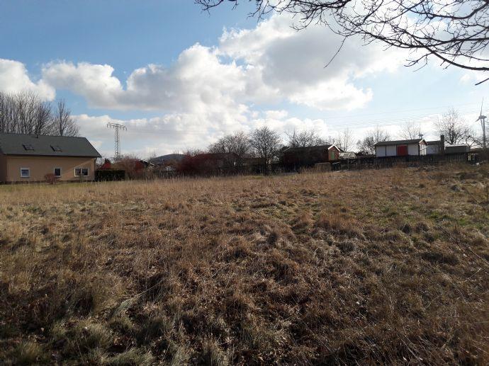 Baugrundstück in absolut ruhiger Lage von Reinholdshain! Ca. 1100 m² ruhig, grün & bauträgerfrei!!!