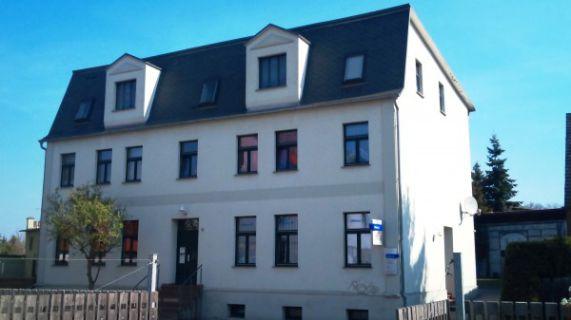 BePe-Immobilien, 2-Raum Dachgeschosswohnung im modernisierten Altbau...