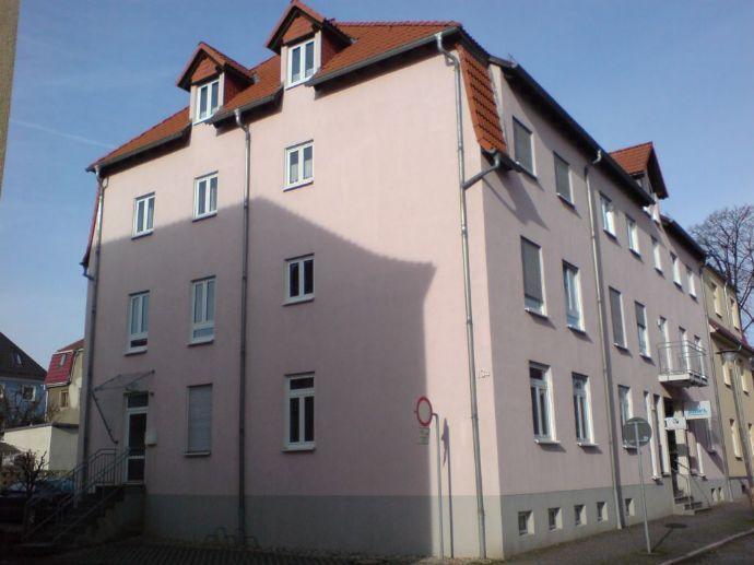 Teilmöblierte 1-Zi-Wohnung mit Pkw-Stellplatz in Kamenz