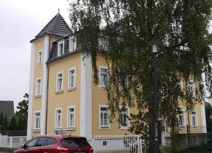 Komplett vermietetes 6-Familienhaus mit Ausbaureserve