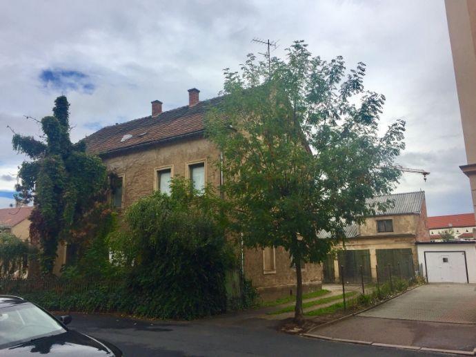 Ein Haus in Meissen zum sanieren.