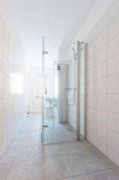 renovierte 2-Raum-Wohnung mit  Dusche im Erdgeschoss