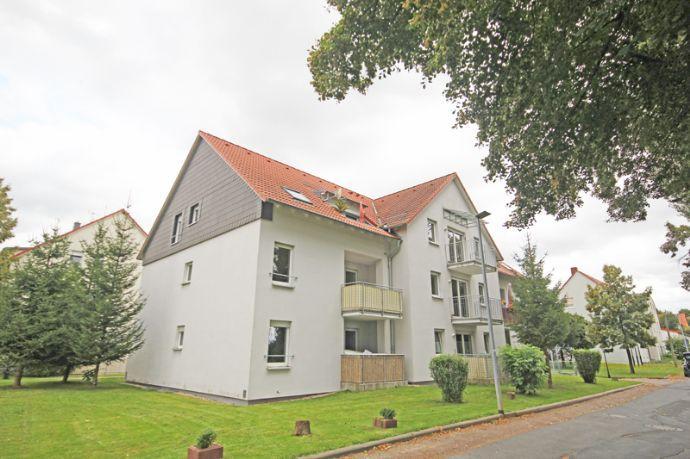 traumhafte Dreiraumwohnung mit Balkon und Tiefgaragenstellplatz