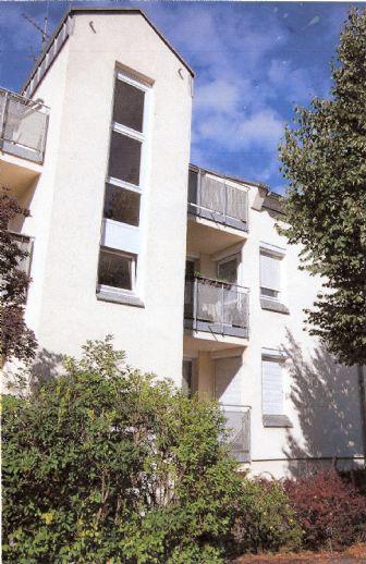 ETW im Erholungsort Weinböhla bei Dresden-sonnige und ruhige 3-Zimmer-Eigentumswohnung im 1. OG mit 2 Balkonen und Stellplatz