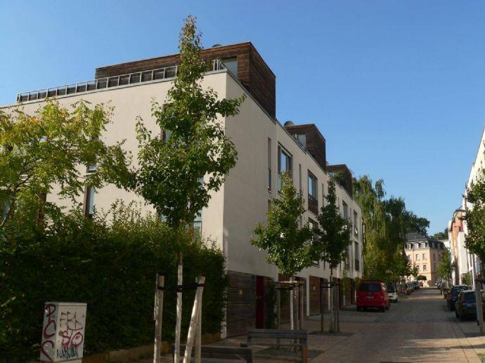 Wohneigentum mit 6-Zimmern, Penthouse und Garten direkt in der Neustadt