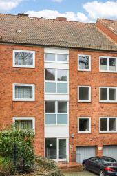 Kapitalanlage! Immobilienpaket mit 3 Wohnungen + 1 Gewerbeeinheit