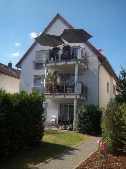 Zentral gelegene 4 Zimmerwohnung im 3 Familienhaus in Rüsselsheim