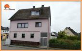 Zweifamilienhaus mit Doppelgarage in reizvoller Umgebung- !!! - Zwangsversteige...