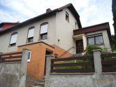 Einfamilienhaus (DHH) mit Doppelgarage