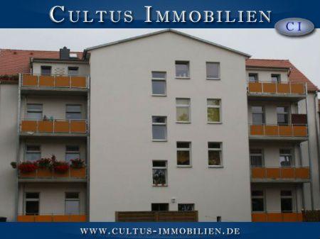 Ansprechende 2 - Raum DG  Wohnung mit Balkon und Stellplatz für Kapitalanleger und Eigennutzer