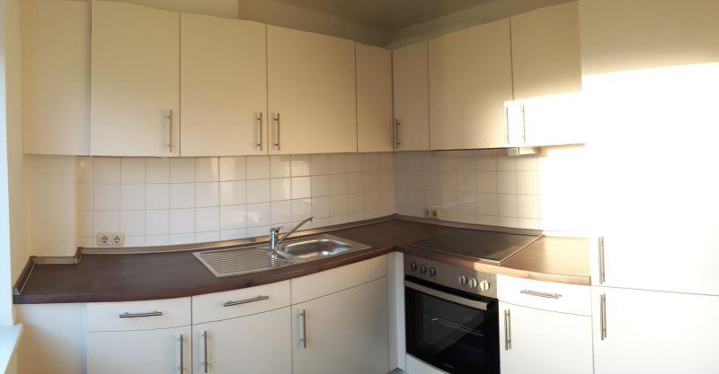 3 Zi. Wohnung, neue moderne Einbauküche